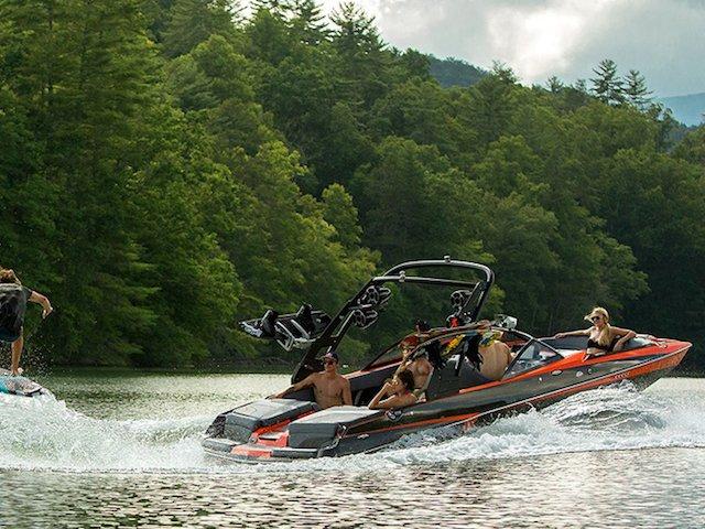 Malibu Boats unveils two new models