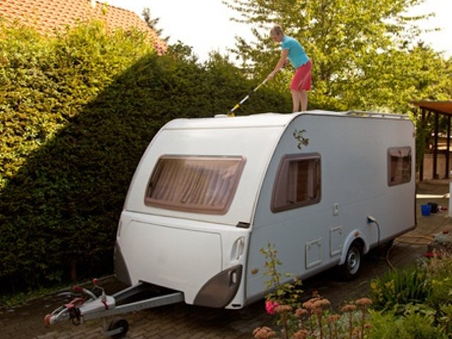 RV-roof-cleaning.jpg