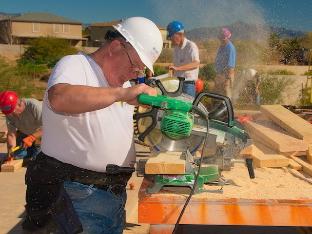 Terry Baughman from Ohio using the chop saw photo Dave Bezaire.jpg