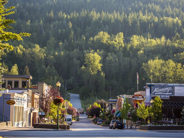 city of revelstoke photo Destination BC Ryan Creary 4-3768.png