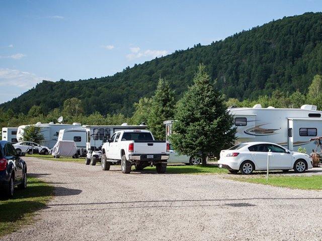 Papineau-Accommodations-RV