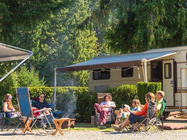 Overnight Voyageur Camping at Leisure Lake