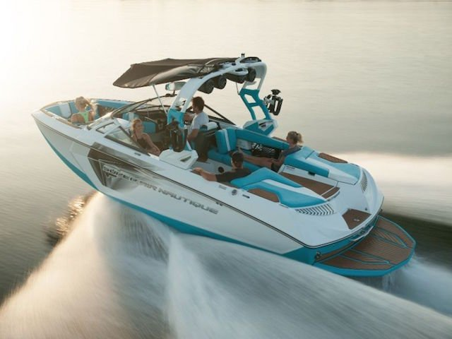 Super Air Nautique G23 takes 2 awards