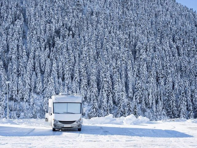 How to Drive your RV in the Winter