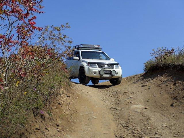 Jordan Soares Suzuki Vitara uphill ROCK.jpeg
