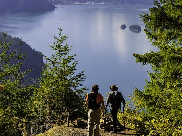 Hiking, Harrison Lake, Harrison Hot Springs, BC © Graham Osborne 3-MF-139285-2.jpg