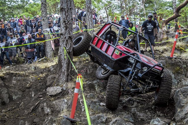 Dustin Webb flexing his Toyota out in front of the crowd at the Island Cup 2016.jpeg