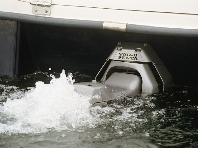 engine maintence story 3 volvo penta.jpeg