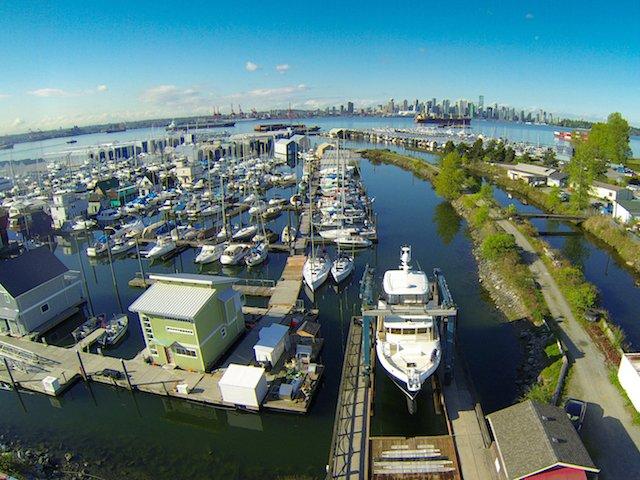 1 Yacht Lift at The Creek.jpg