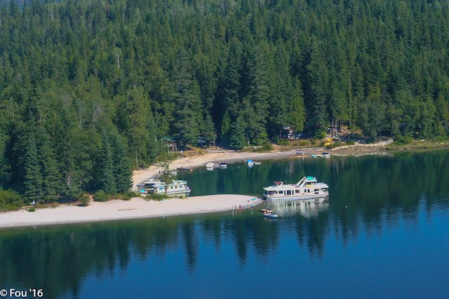 The wide expanse of Shuswap Lake makes it ideal for all-day cruising