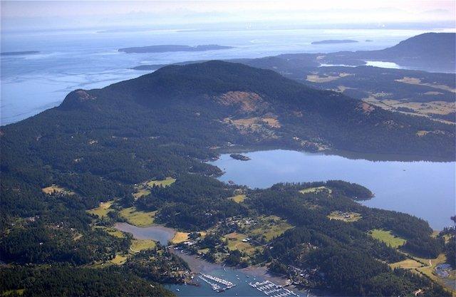 An overview of Deer Harbor.