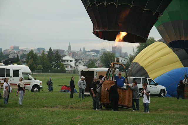 Gatineau heating balloon JStoness 8405.JPG