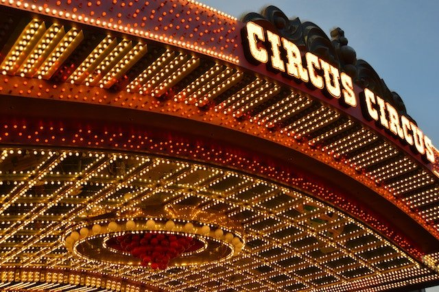 circuscircuswilliam-fitzgibbon-95728-unsplash.jpg