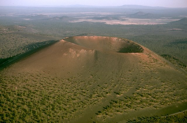 Sunset_Crater_National_Monument_SUCR2853.jpg