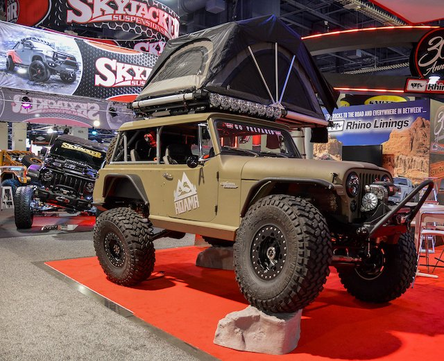 Skyjacker Jeep Commando  photo Bryan Irons.jpg