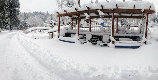 Rv_in_Winter_2_blue_lake_photo heidi_boraski.JPG