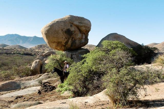 trails-winding-through-the-striking-rock.jpg