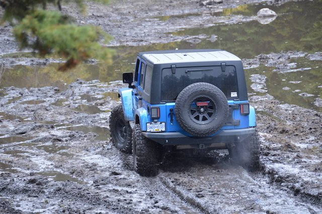 7 The tread design keeps the voids clear of mud photo Bryan Irons.JPG