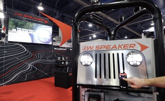 3 Speaker Evo J3 photo Perry Mack.jpg