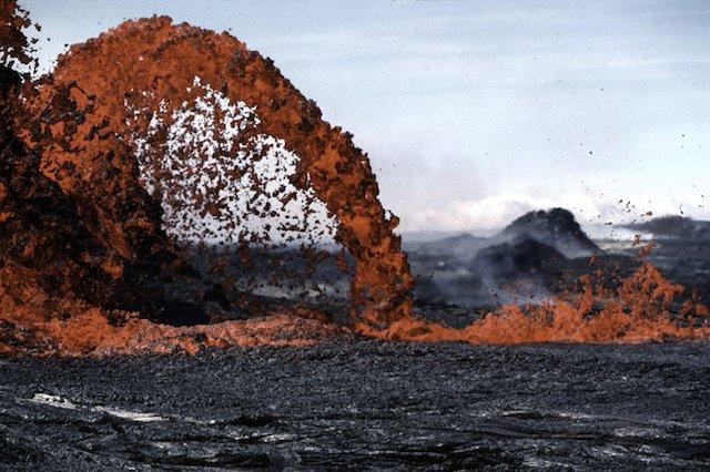 volcano-spewing-lava-hawaii-volcanoes-national-park_800.jpg