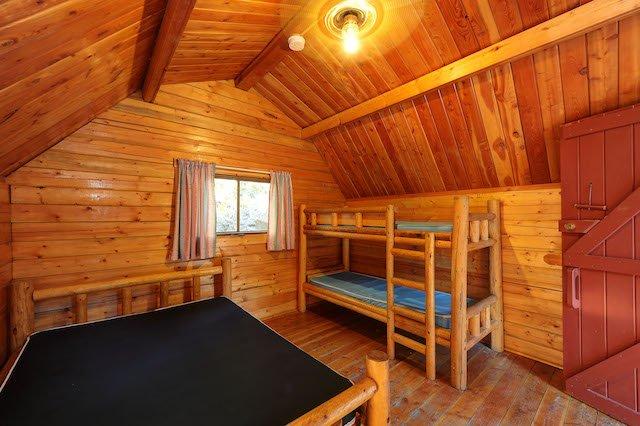 GAL cabin interior2.jpg