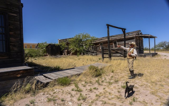 This vacant lot was used in the Shootout at the OK Corral [Tombstone movie].  Guide Frank Brown and his cat Sam point out how the shootout took only 30 seconds.