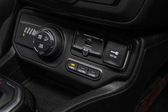 190305_Jeep_Renegade_Plug-in_Hybrid_8rkb85i25l59421uaos74aju8e7.jpg