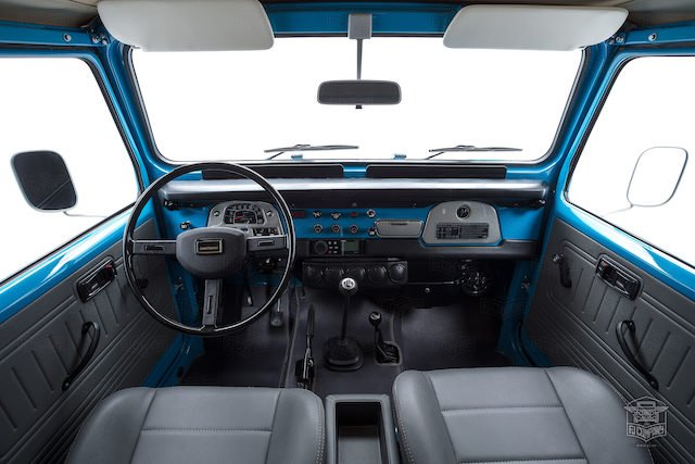 image_59cd48bee1f07_The-FJ-Company-1982-FJ40-Land-Cruiser---Sky-Blue-356501---Studio_027.jpg