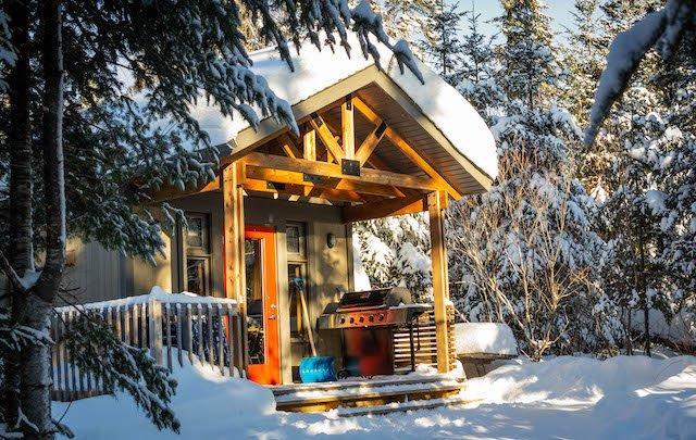 Compact Cabin_Mathieu Godin.jpg