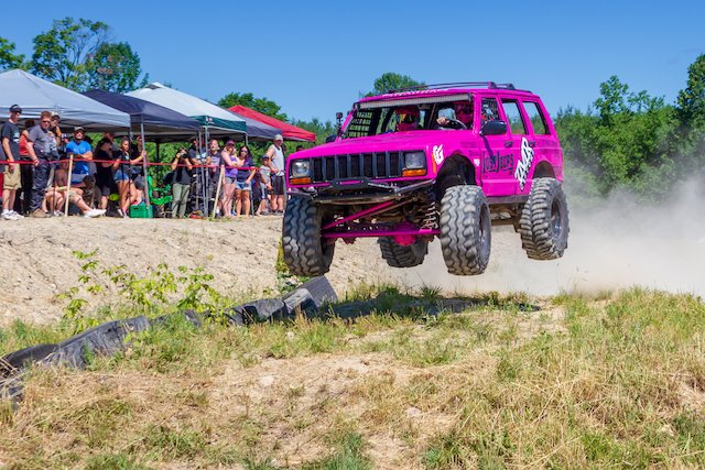 4 Amanda Brackett launching her stock class Jeep Cherokee Photo courtesy of Eugene Horvath ehmedia.ca.jpg