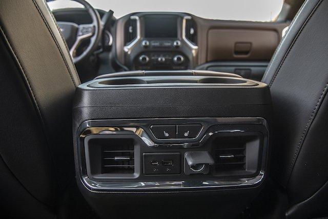 2019 Silverado Interior2_General Motors.jpg