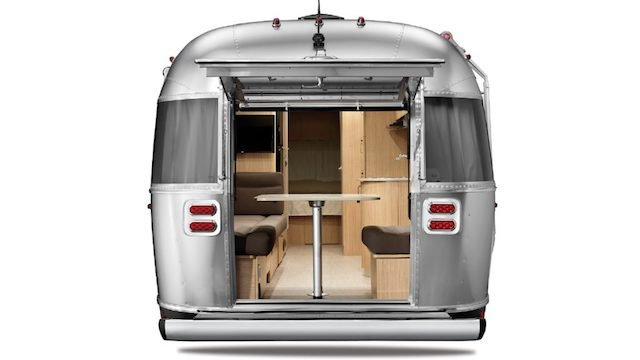 Airstream-Flying-Cloud-27FB-Rear-Hatch-1024x576.jpg