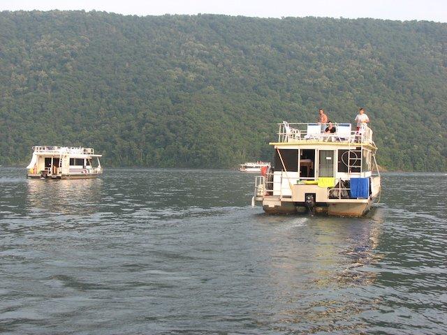 Houseboat Safety Photo Jen.jpg