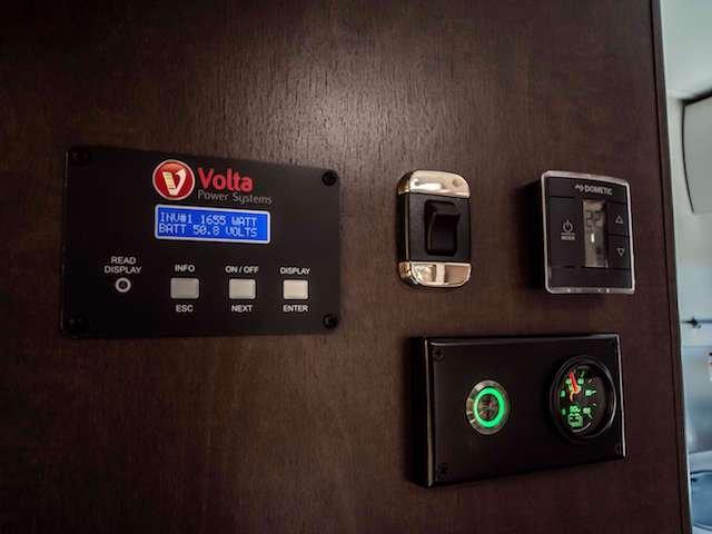 2 Lithium Power Photo Volta Power Systems.jpg