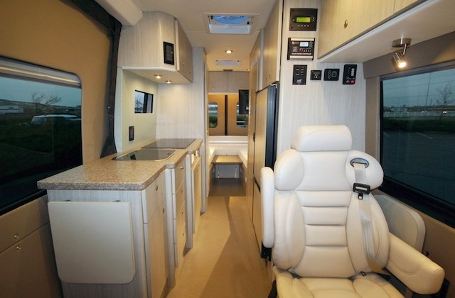 4 Galley Clean design Photo Photo Creative Mobile Interiors (2).jpg