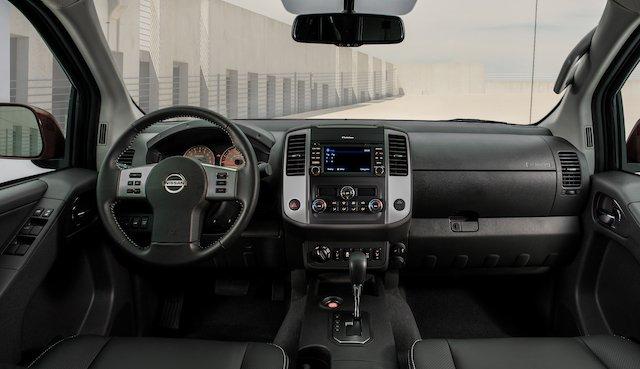 2020 Nissan Frontier_-16.jpg
