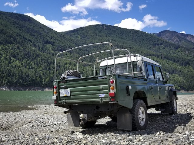 4 Land Rover Defender 130 at Carpenter Lake Photo Mercedes Lilienthal .jpg
