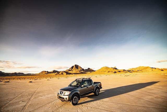 2020 Nissan Frontier_sunset-4-source.jpg