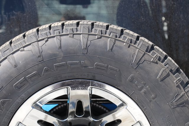 2 Raised sidewall details for extra traction when going deep.JPG