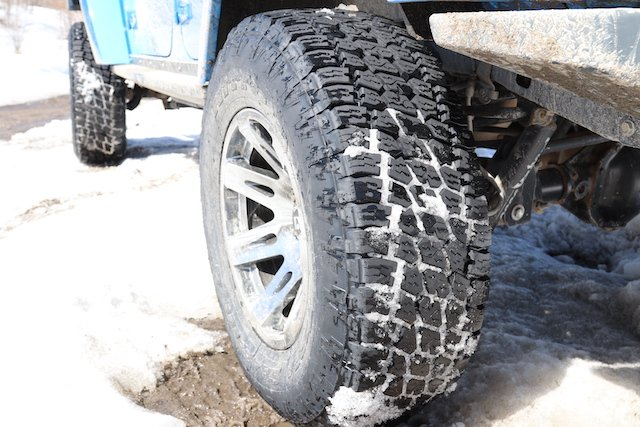 3 Tread voids clear the snow ready for the next round.JPG