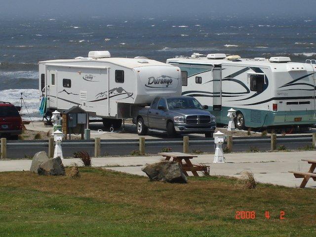 1 Caravan Tours Photo Dick Schaefer .jpg
