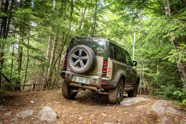 6 Land Rover Defender Photo Mathieu Godin.jpg