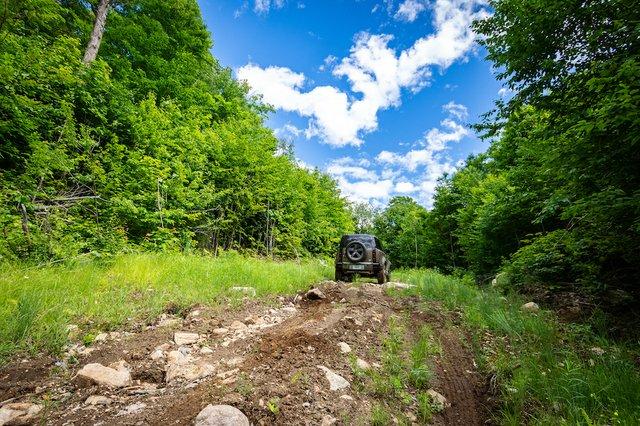 8 Land Rover Defender Photo Mathieu Godin.jpg