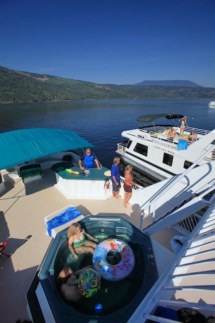 Lead Houseboat Tips Photo Don Weixl Twin Anchors.JPG