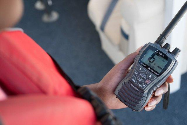 Lead Marine Radio Photo National Boat Safety Council.jpg