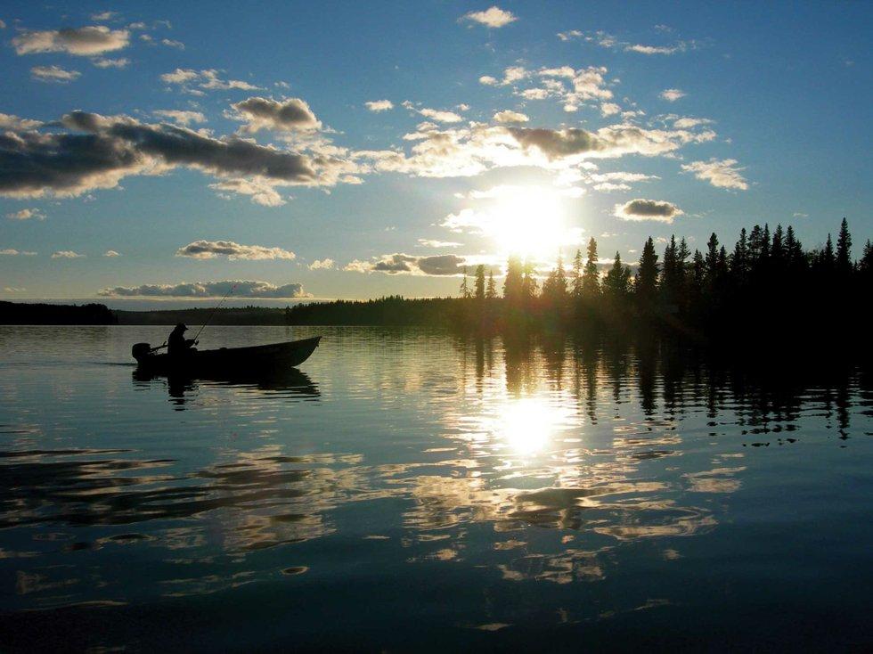 Fishing The Cariboo Chilcotin Suncruiser